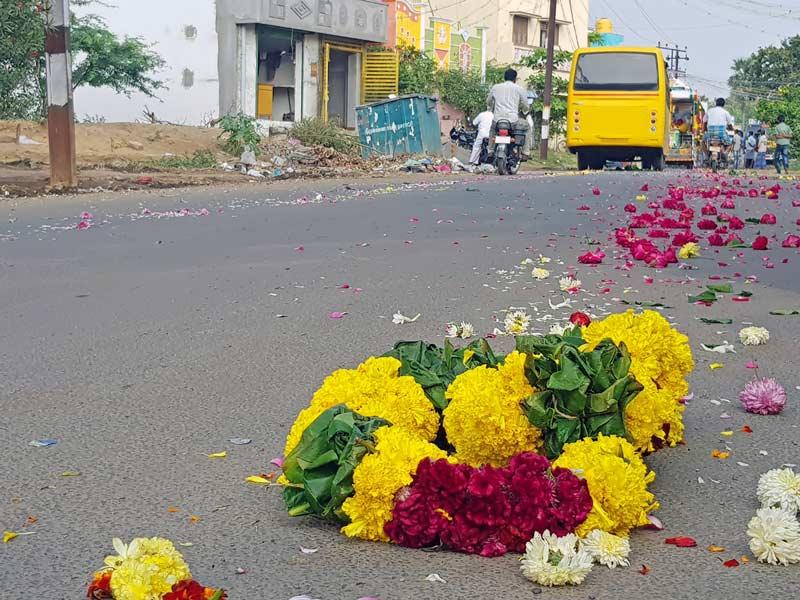 Flores ao chão e passeata com o caixão. Conheça as diferenças culturais para a morte!
