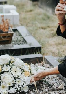 Rituais fúnebres no cemitério